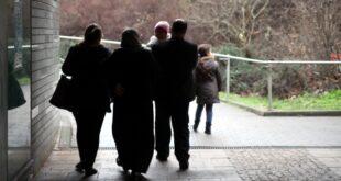 verzoegerung der rueckkehr politiker wollen leistungskuerzung fuer ausreisepflichtige 310x165 - Verzögerung der Rückkehr: Politiker wollen Leistungskürzung für Ausreisepflichtige