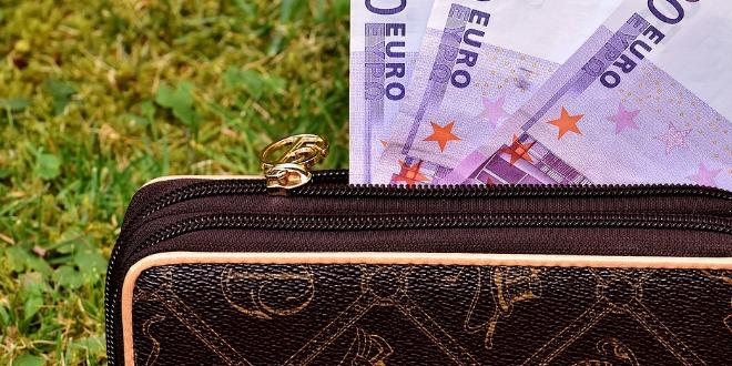 Geldbeutel 660x330 - Studie: Was wissen die Deutschen über Finanzen?