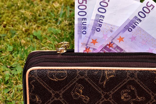 Geldbeutel - Studie: Was wissen die Deutschen über Finanzen?