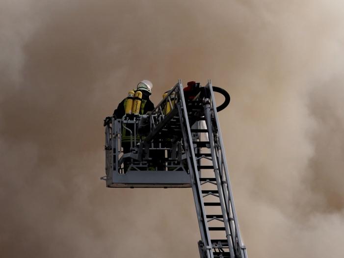 Bild von Feuerwehr schlägt Alarm: Einsparungen gefährden Sicherheit