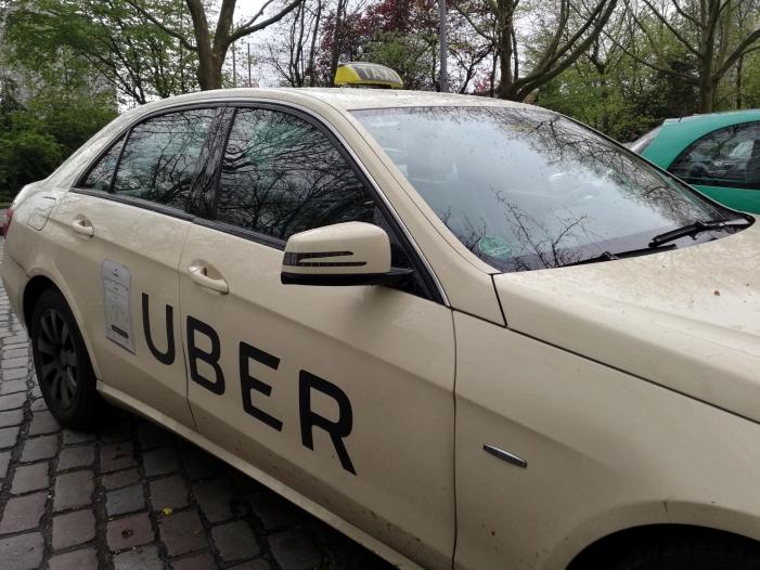"""Uber beklagt Regeln in Deutschland als """"zu streng"""""""