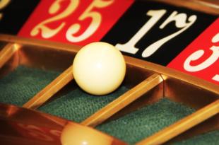 Roulette 310x205 - Glücksspiel findet zunehmend im Netz statt