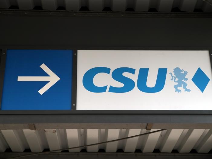 Ex-CSU-Chef Huber kritisiert Rechtskurs der Parteiführung