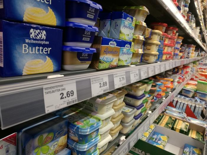 groesste molkerei rechnet mit sinkenden butterpreisen - Größte Molkerei rechnet mit sinkenden Butterpreisen