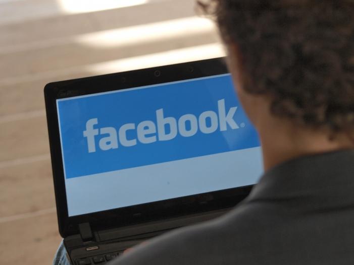 """Bild von Grüne und FDP fordern Abschaffung von """"Facebook-Gesetz"""""""