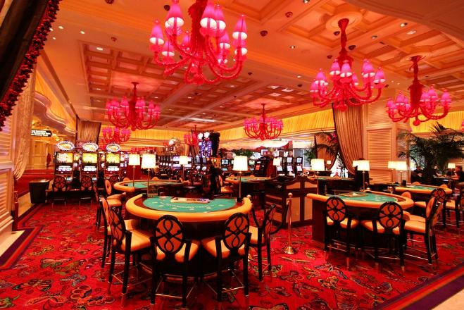Casino 1 - Glücksspiel: Italien verkauft 120 Lizenzen