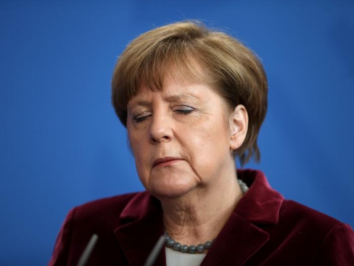 """Photo of """"Berliner Kreis"""" fordert """"Zeichen"""" von Merkel"""