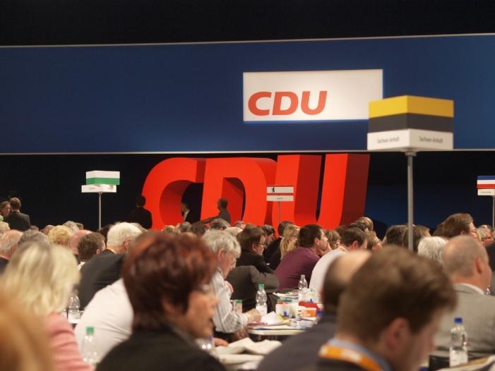 Photo of CDU-Mitgliedsbeauftragter fordert Basis-Rechte ein