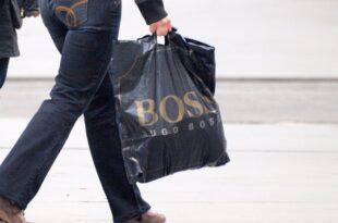 hugo boss chef gibt luxussegment auf 310x205 - Hugo-Boss-Chef gibt Luxussegment auf