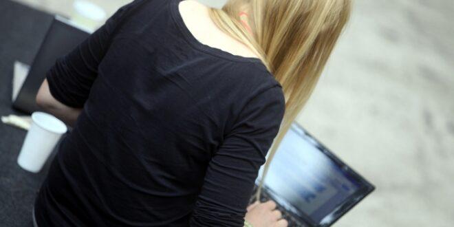 verbraucherschuetzer mahnen onlinebezahldienst paypal ab 660x330 - Verbraucherschützer mahnen Onlinebezahldienst PayPal ab