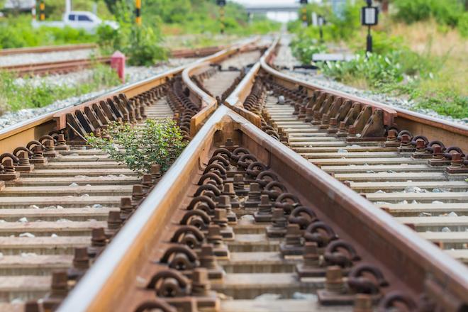 Schienenverkehr - AsstrA - schnell, sicher und umweltfreundlich