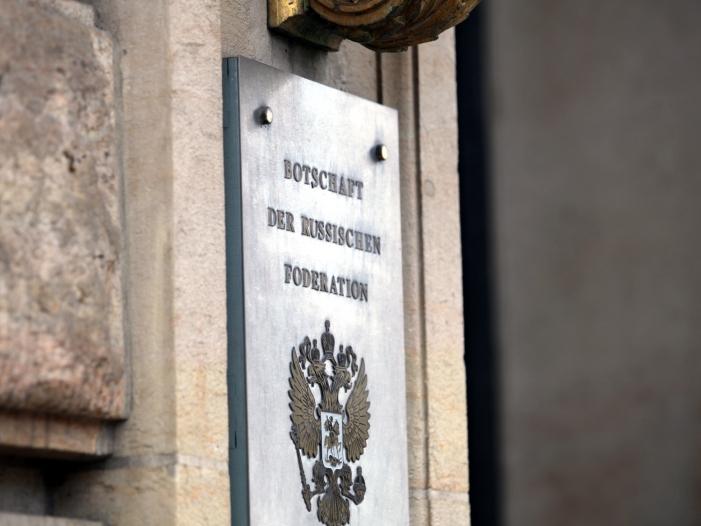 Photo of Deutschland prüft Ausweisung russischer Diplomaten
