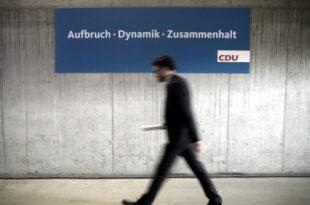 """dobrindt kritisiert gebueckte haltung in der cdu 310x205 - Dobrindt kritisiert """"gebückte Haltung"""" in der CDU"""
