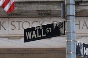 dow verliert kraeftig fast drei prozent minus 310x205 - Dow verliert kräftig - Fast drei Prozent Minus