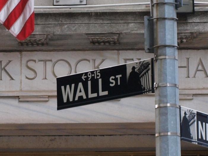 dow verliert kraeftig fast drei prozent minus - Dow verliert kräftig - Fast drei Prozent Minus