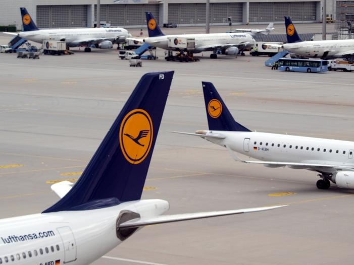 Bild von Lufthansa-Mitarbeiter fordern Sonderprämie