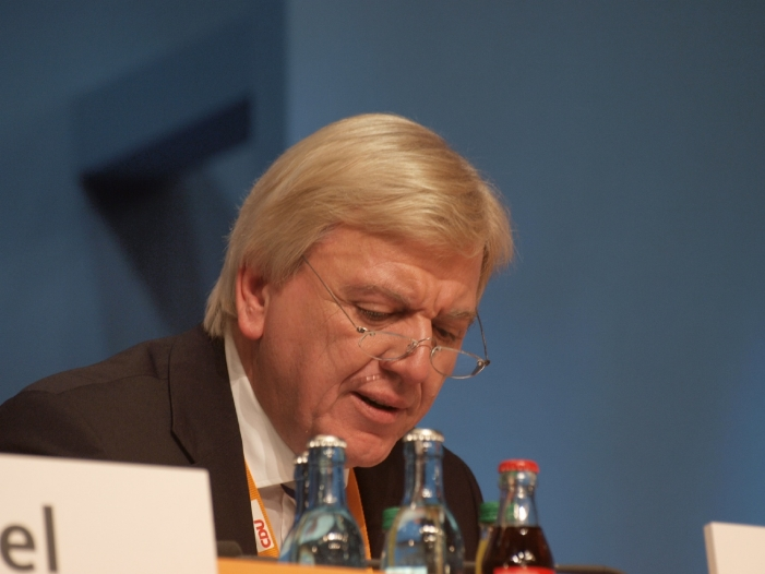 Bild von NSU-Untersuchungsausschuss belastet Bouffier