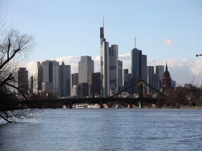 Photo of Rufe aus CDU und FDP: Euro-Clearing nach Frankfurt holen