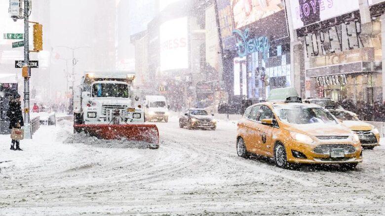 Photo of New York: Schneesturm sorgt für Chaos