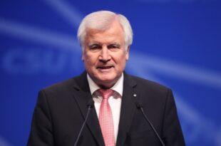 "seehofer will masterplan zur asylpolitik konkretisieren 310x205 - Seehofer will ""Masterplan"" zur Asylpolitik konkretisieren"
