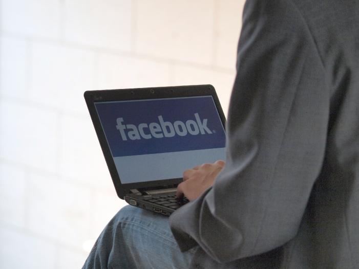 staatsrechtler facebook nutzer geben persoenlichkeitsrechte auf - Staatsrechtler: Facebook-Nutzer geben Persönlichkeitsrechte auf
