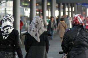 umfrage buerger in islam frage weiter gespalten 310x205 - Umfrage: Bürger in Islam-Frage weiter gespalten