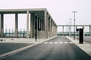 BER 310x205 - Flughafen BER: Abriss und Neubau oder Weiterbau?