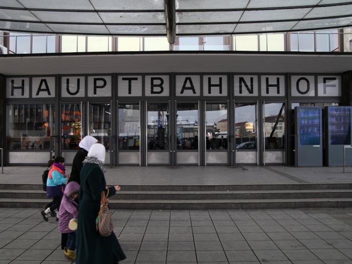 Bild von Dobrindt: Islam soll in Deutschland nicht prägend werden