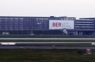 ex bahn chef grube lehnte leitung des ber ab 310x205 - Ex-Bahn-Chef Grube lehnte Leitung des BER ab