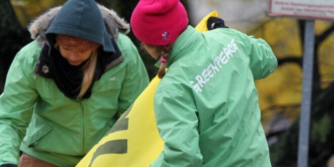 Greenpeace kritisiert Karlspreisverleihung an Macron 660x330 - Greenpeace kritisiert Karlspreisverleihung an Macron