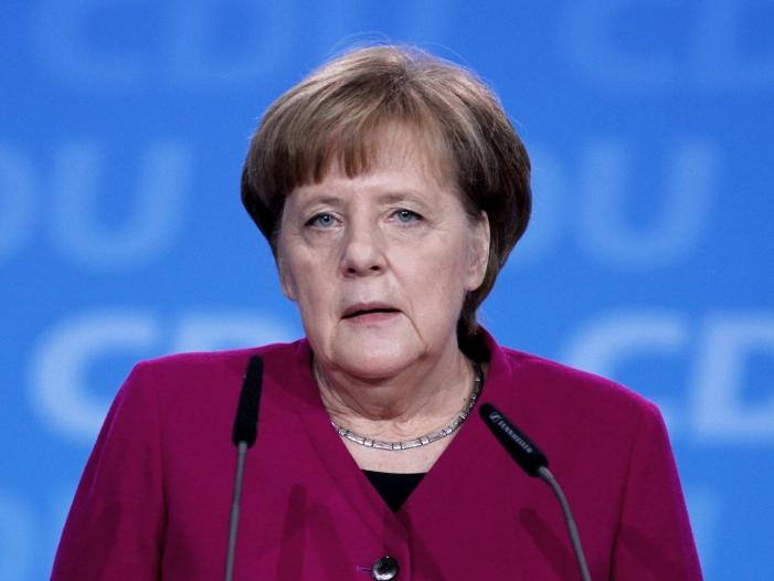Photo of Merkel verteidigt Bundeshaushalt