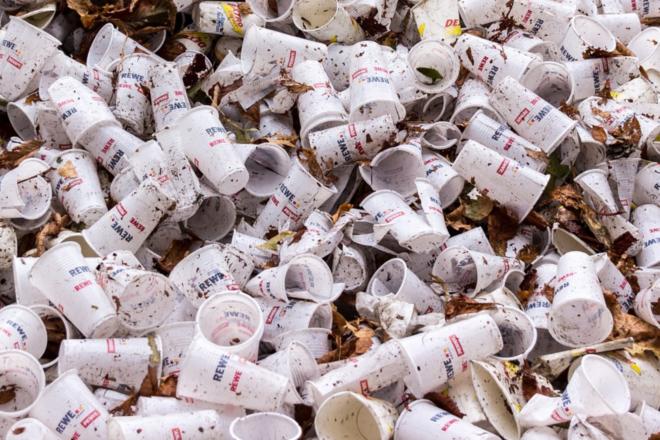 Plastikabfall - Die Umweltbranche nimmt Mikroplastik ins Visier