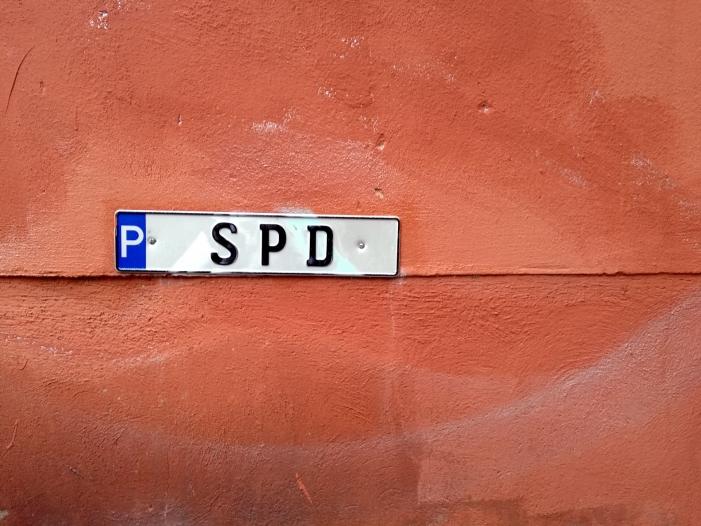 SPD Ostbeauftragter kritisiert seine Partei - SPD-Ostbeauftragter kritisiert seine Partei