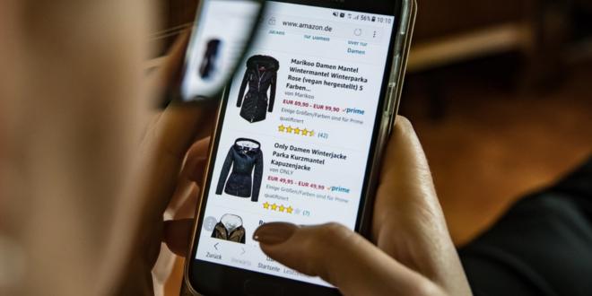 Smartphone Shopper 660x330 - Innovative Technologien für das Online-Shopping der Zukunft
