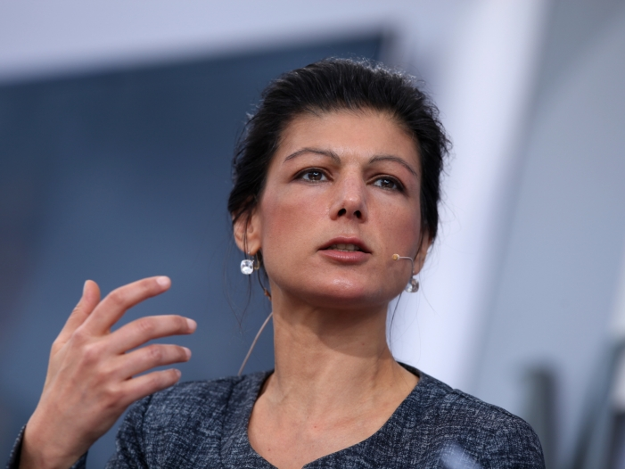 Photo of Wagenknecht kritisiert Arbeitsmigration