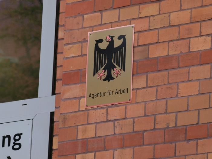 Photo of Bundesagentur für Arbeit braucht immer mehr Geld für sich selbst