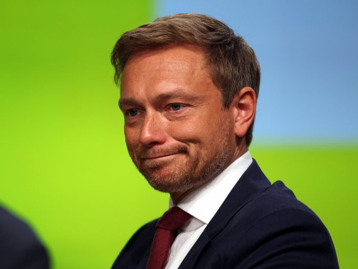 Photo of Junge Liberale stellen sich im Asylstreit gegen FDP-Chef Lindner