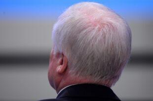 """Opposition kritisiert Seehofers Dritten Option für Intersexuelle 310x205 - Opposition kritisiert Seehofers """"Dritten Option"""" für Intersexuelle"""