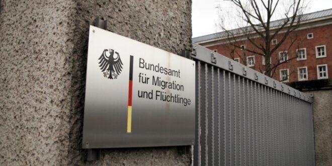 Schäuble nimmt BAMF in Schutz 660x330 - Schäuble nimmt BAMF in Schutz