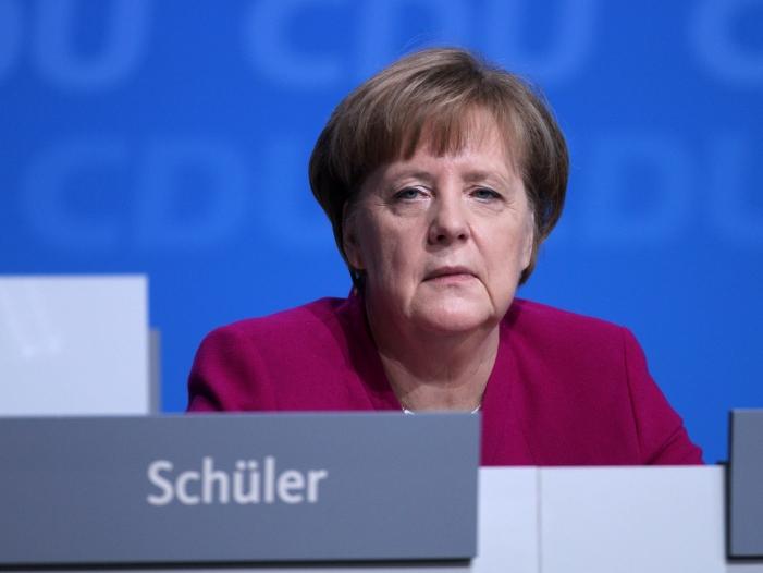 Tony Blair verteidigt Angela Merkel