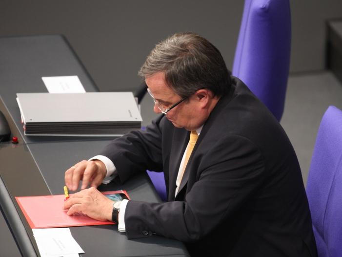 Bild von Laschet erklärt Thyssenkrupp zur Chefsache