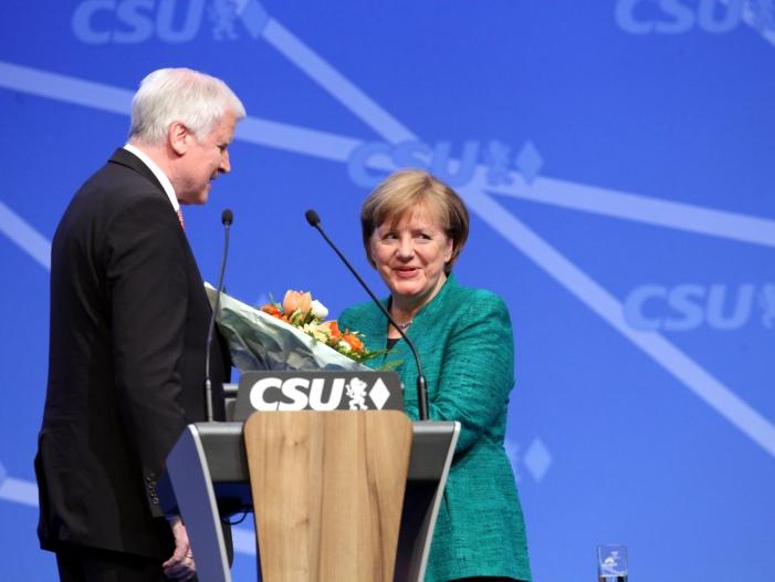 Photo of Seehofer erklärt Konflikt mit Merkel für beendet