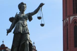 Justizia 310x205 - Arbeitsrecht - auch Chefs machen Fehler
