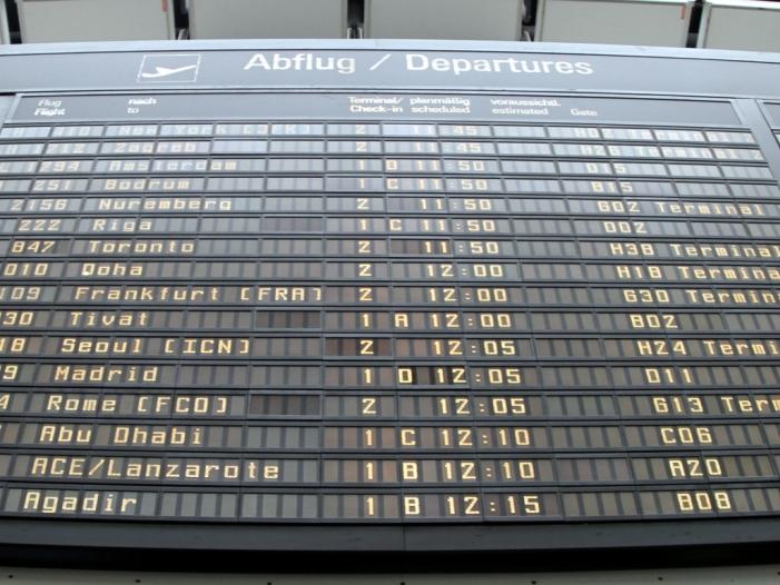 VZBV fordert automatische Entschädigung bei Flugverspätungen