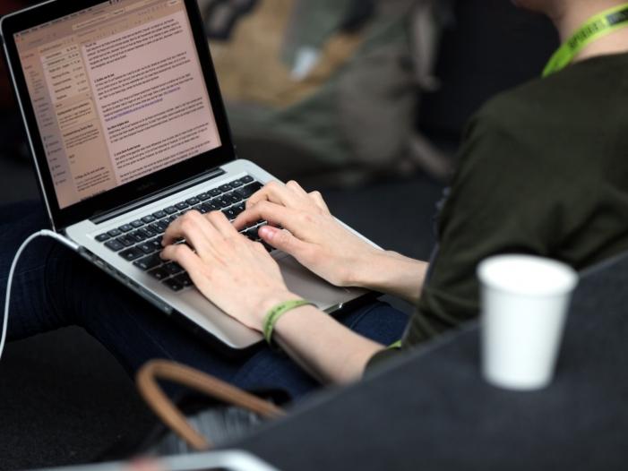 Photo of Weltbank warnt vor sozialer Zerreißprobe in digitaler Arbeitswelt