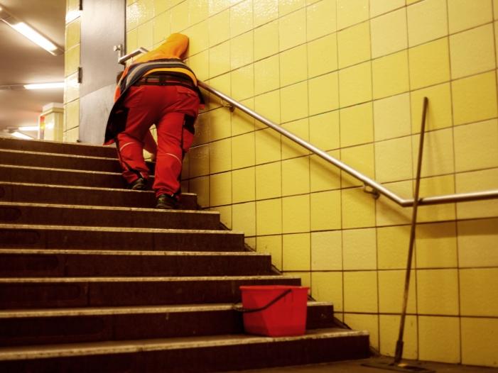 Bild von Zoll stellt zahlreiche Verstöße gegen Mindestlohngesetz fest