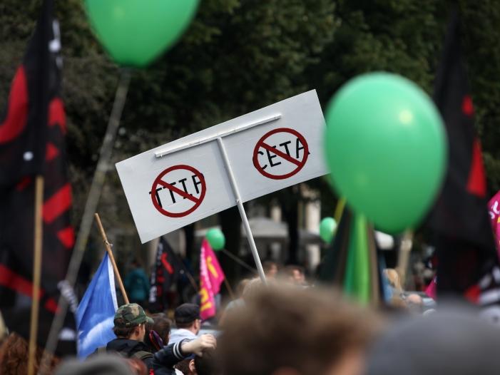 Bild von Bundesregierung gegen neue TTIP-Verhandlungen