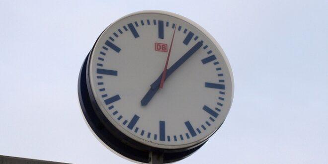 Sommerzeit beendet Uhren auf Normalzeit zurückgestellt 660x330 - Sommerzeit beendet - Uhren auf Normalzeit zurückgestellt