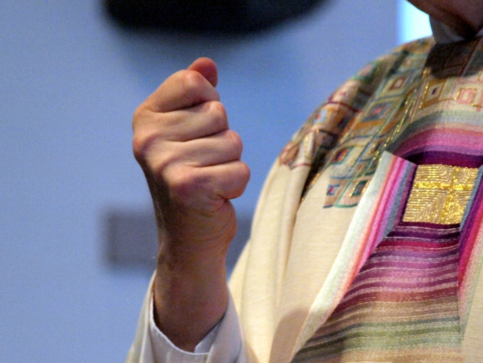 Photo of Theologe: Katholische Kirche unterminiert Wissenschaftsfreiheit