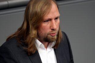 """Hofreiter kritisiert Werbeaktion des Kraftfahrtbundesamts 310x205 - Hofreiter kritisiert """"Werbeaktion"""" des Kraftfahrtbundesamts"""